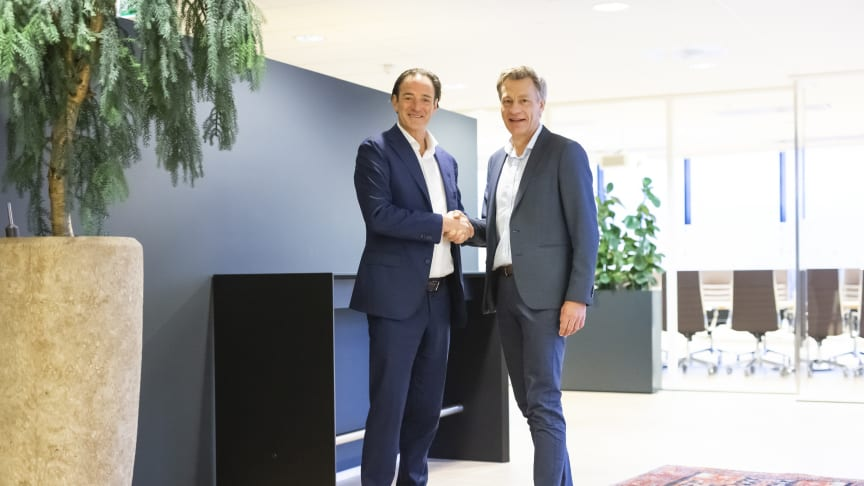 Erlend Sogn (t.v.) og Jarle Roti ser fram til å jobbe tett sammen om å videreutvikle løsninger innen rapportering, budsjettering og analyse. - Fremtiden handler om data og analyse, sier de begge.