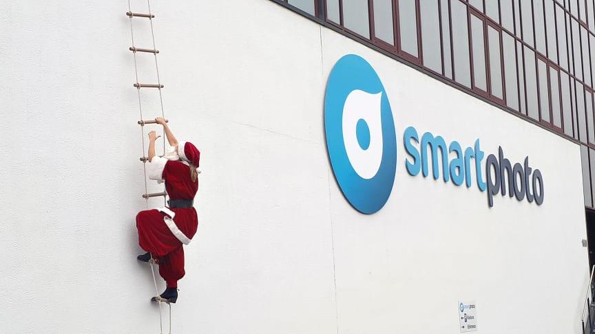 Så möter fotoproducenten den höga efterfrågan under julhandeln.