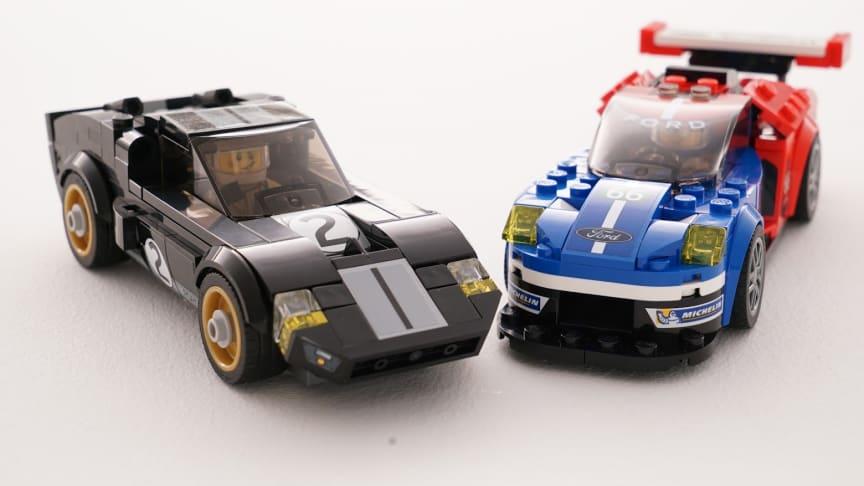 I år gentog Ford succes'en fra 1966 og vandt 24-timers løbet Le Mans. Ford tager nu fejringen med ind i LEGO-universet med introduktionen af LEGO-udgaver af Ford GT40 fra 1966 og den nye 2016 model af den legandariske bil.