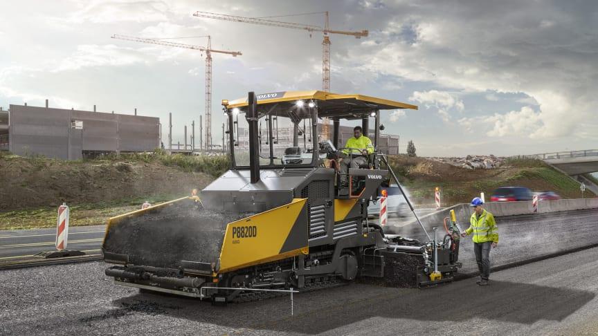 Volvos nya P8820D ABG asfaltläggare kombinerar storlek och flexibilitet