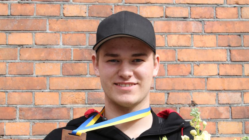 Final i SM för unga plåtslagare 2015: 3:e placerade Albin Ählman, Ebersteinska gymnasiet, Norrköping.