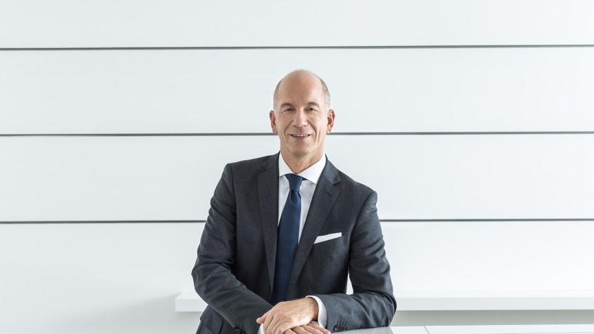 Hansgrohe SE:n pääjohtaja Thorsten Klapproth esitteli yrityksen tuloksen lehdistötilaisuudessa Frankfurtissa 13.3.2017