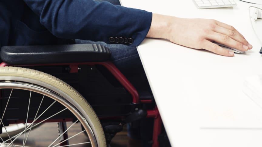 Ledere siger i stor stil nej til ansøgere, som sidder i kørestol