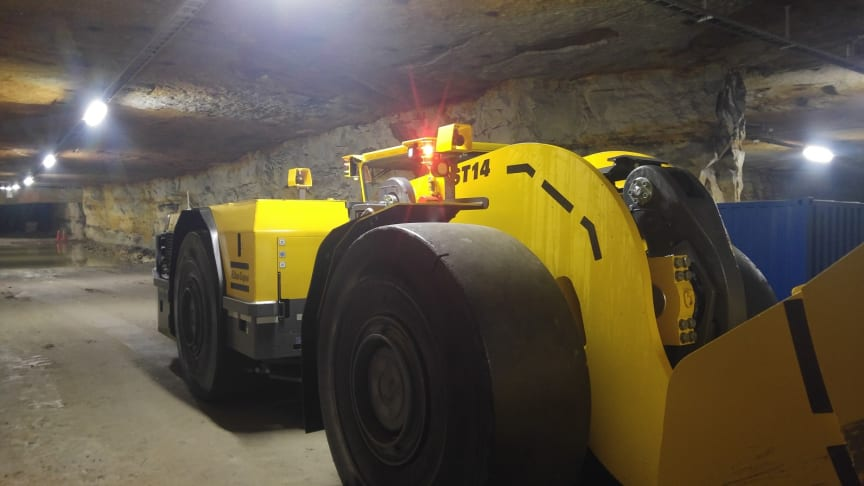 Cavotec HOI enables the safe, efficient remote operation of the Atlas Copco ST Tram loader.