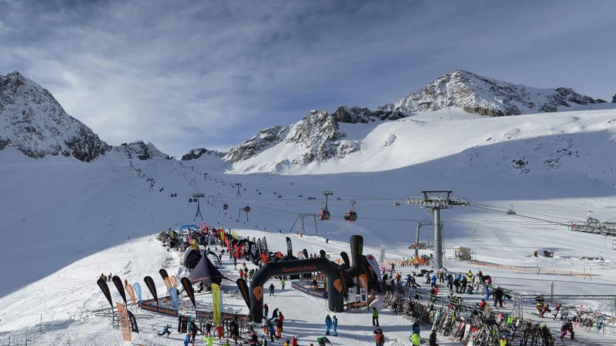 Bereits am ersten Tag des SportScheck GletscherTestivals wurden die Besucher mit 8 Sonnenstunden verwöhnt
