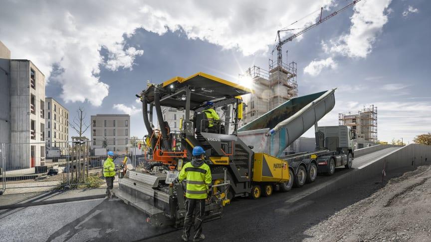 Nya Volvo P6870D ABG gör asfaltläggningen enkel