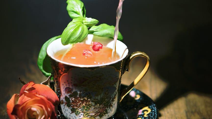 Tipsy Tea serveras varje lördag på At Six