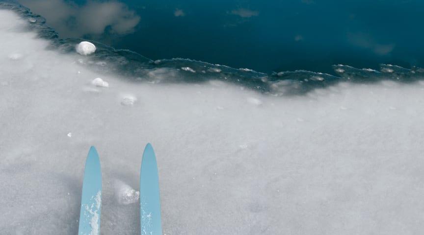 Skiftende vær og flere mildværsperioder har ført til dårlig is i fjellet i Hallingdal og Aurland.