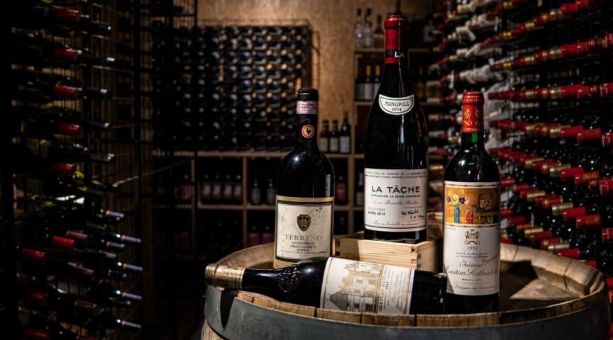 Prestigeviner med upp till 30 års klanderfri lagring har nu uppnått perfekt mognad i vinkällaren på The Winery Hotel.