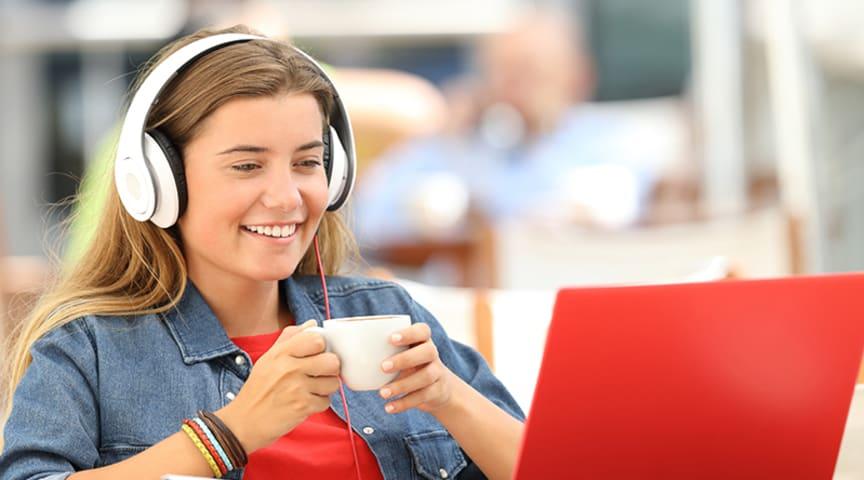 Onlinemässan - ett nytt sätt att informera om sökbara yrkeshögskoleutbildningar i Piteås närhet.   Foto: Getty Images