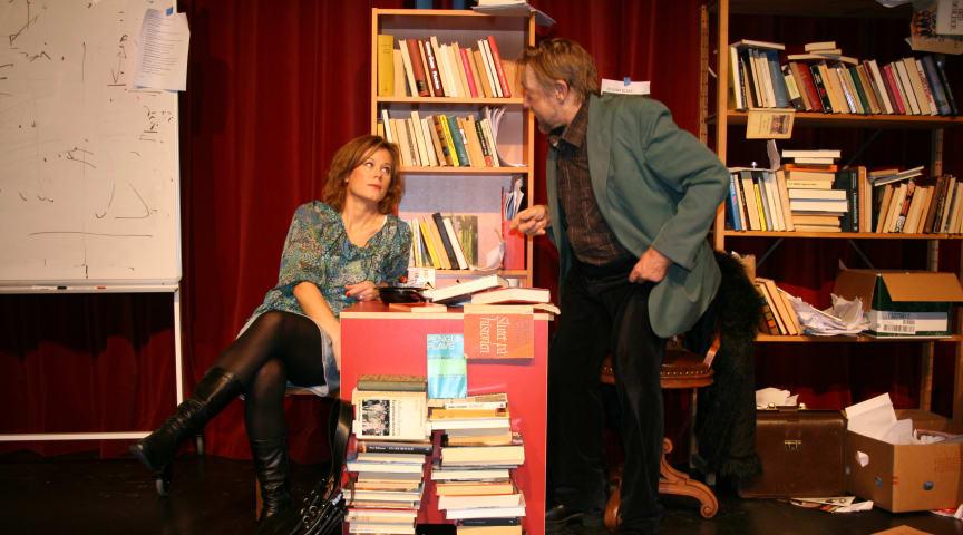Nu kommer succéföreställningen hem till Folkteatern igen - efter fjorton år på turné har Timmarna med Rita setts av nära 20.000 personer