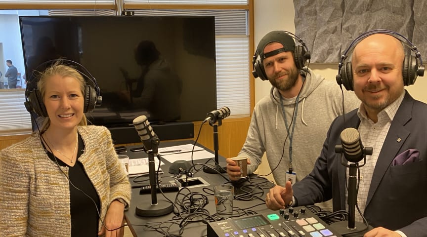 Innspilling av andre episode av Prosjektkontoret. Fra venstre: Hege Njå Bjørkmann, Kristoffer Bugge og Christian Kamhaug.