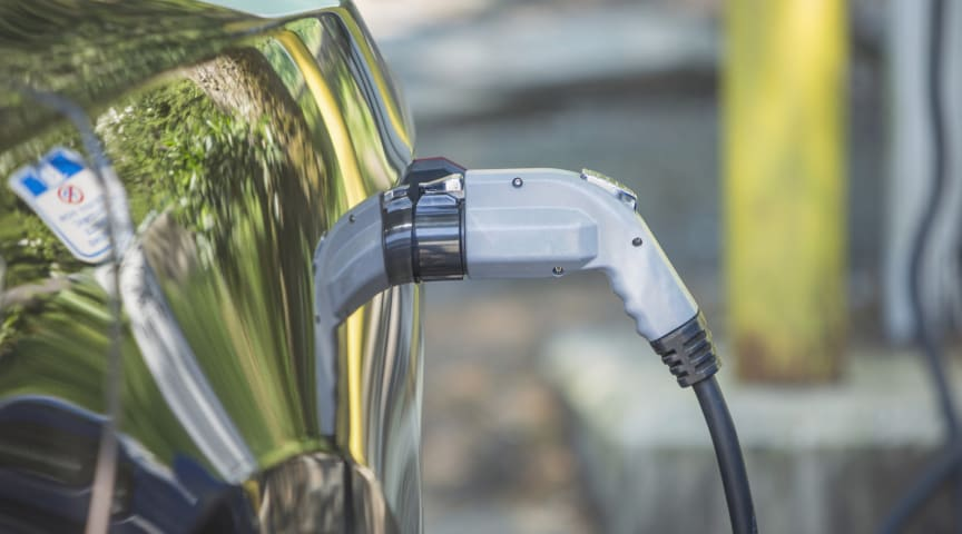 New electric vehicle registrations continue to rise - RAC comment