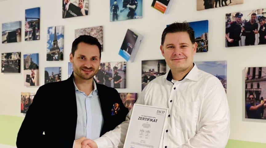 Alexander Stärke, Geschäftsführer business factors und Oliver Scharfenberg Geschäftsführer SQC-QualityCert (v.l.n.r.)
