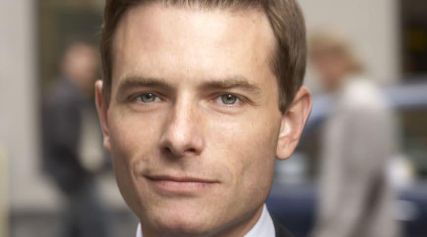 Joakim Larsson: Ökad personaltäthet på demensboenden i Stockholm