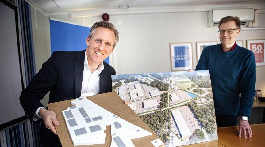 Andreas Meyer (t.v.) och Per-Ola Mattsson presenterade visionen för Duverydsområdet i Karlshamn (Foto: Johan Hultgren/Sydöstran)