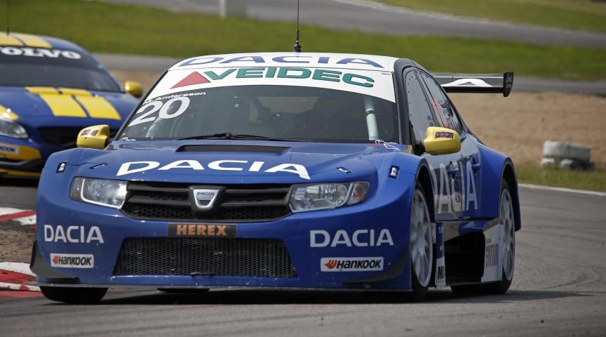 Formstark Andersson drar norrut med Dacia Dealer Team