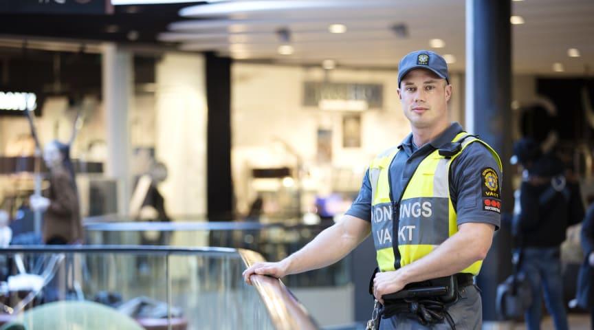 I veckan gick Moderaterna ut med förslaget att anlita 2000 statliga ordningsvakter för att avlasta Polisen. Foto: Securitas Sverige AB