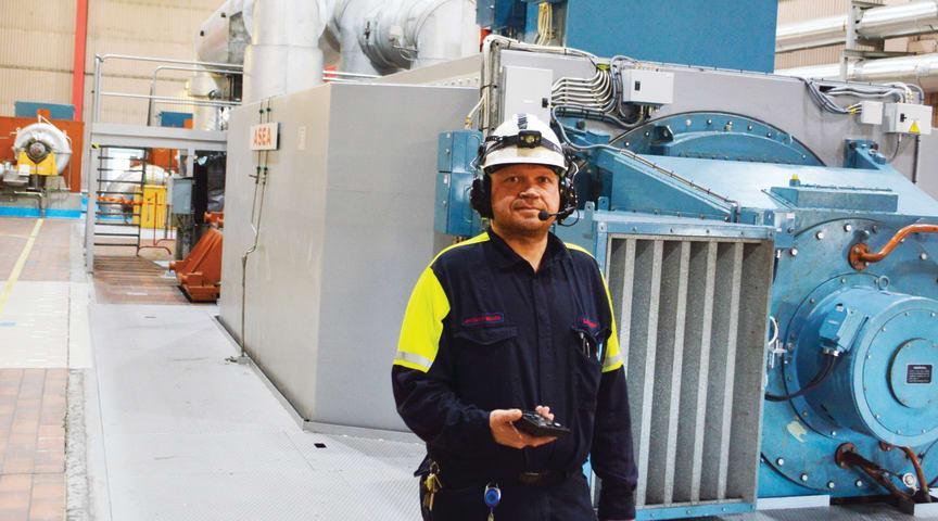 Ovan: Jan-Olov Waara, Lulekraft med Hagner EC1 luxmätare i högsta hugg