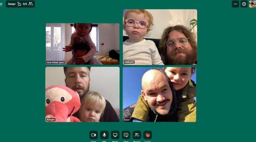 VINNERTEAM MED HJEMMEKONTOR: Jens-Petter Aarhus, Hallvard Fjeldbraaten, Kasper Amundsen Tuvnes og Jens Bjørklund i Anorak.