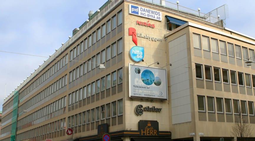 100 Mobenga-medarbetare till Diligentia på Djäknegatan i Malmö
