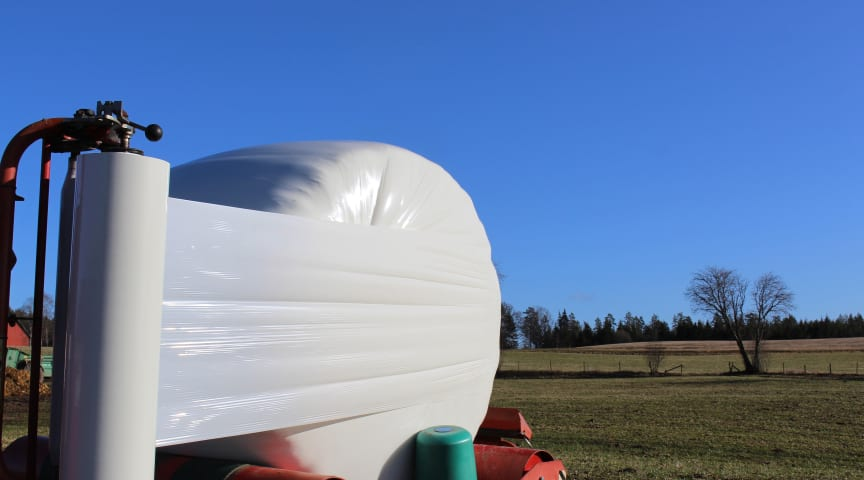 Silage stretch film with post-consumer recycled material in action