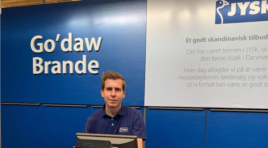 Fredag den 20. marts har 23-årige butikschef Mike Kristensen sat et stort kryds i kalenderen.