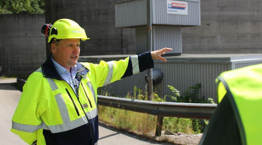 VISER VEI: Med et nytt energieffektiviseringsprosjekt viser Norske Skog Saugbrugs og administrerende direktør Kjell Arve Kure igjen resten av bransjen hva det er mulig å få til. Bildet er tatt ved en tidligere anledning.