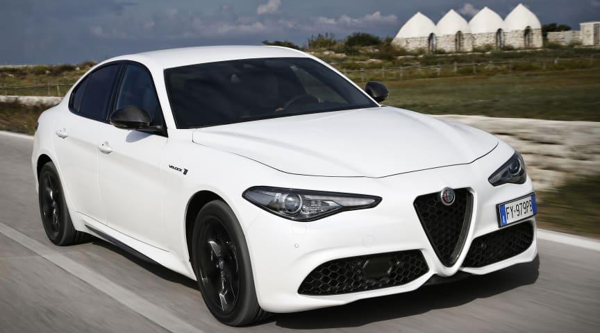 Alfa Romeo Giulia Veloce. Bilen kan være vist med ekstraudstyr.