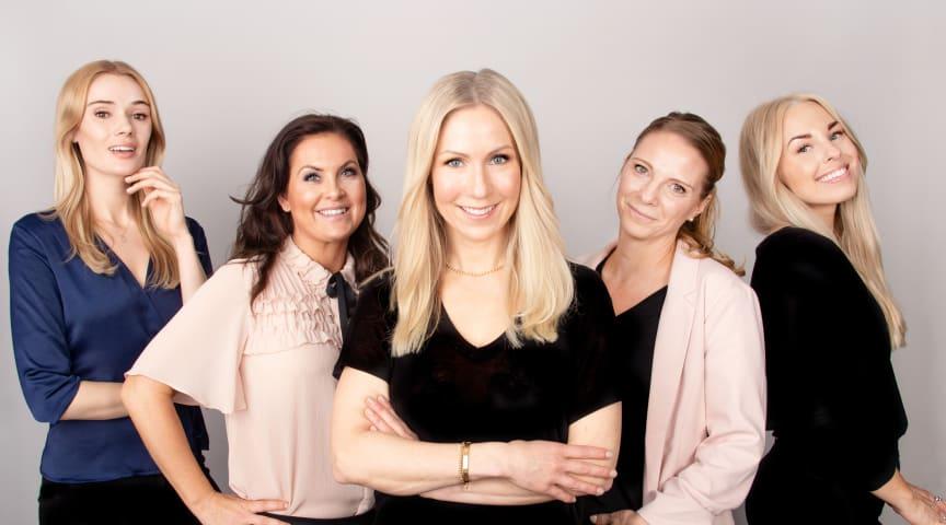 Sara, Johanna, Annica, Yasemin och Frida - alla erfarna hudterapeuter på onlinekliniken Skincity - guidar Hudspecialistens läsare rätt i hudvårdsdjungeln.
