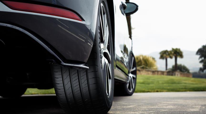 Goodyear tar dig längre med det nya EfficientGrip Performance 2-däcket