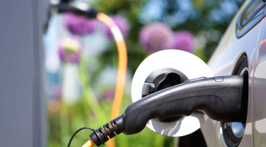 Urban Insight: Ovatko sähköajoneuvot vihdoinkin korvaamassa fossiilisia polttoaineita käyttävät autot?