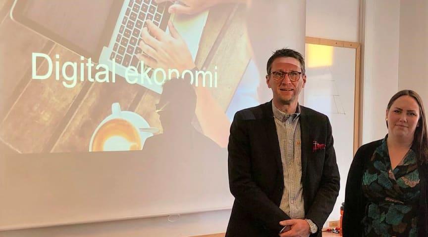 Thomas Nordberg och Erica Lundgren bjuder in till utbildning i digital ekonomi.