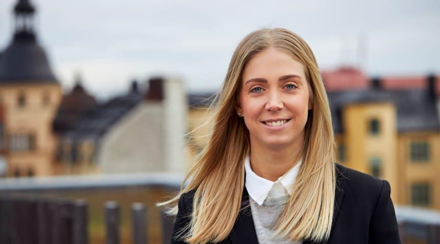 Sandra Petersson är ny chef för Foras avdelning Partsrelationer och Produkt. Hon kommer närmast från en roll som affärsansvarig på samma avdelning och har en bakgrund som handläggare på Fora.