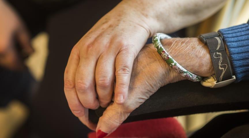 Plejecentre og botilbud med klar besked: nej tak til besøg
