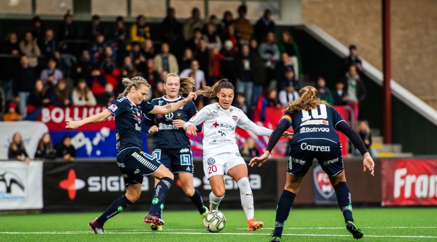 Klubbarna i OBOS Damallsvenskan och Elitettan fattade i kväll ett inriktningsbeslut om att flytta seriepremiärerna till tidigast månadsskiftet maj/juni.