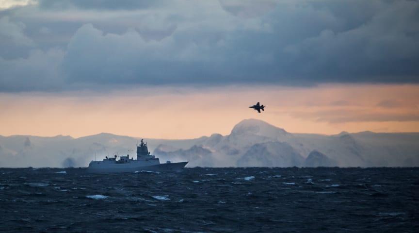 Fly i luften alene løser ikke de oppgavene Forsvaret er satt til å håndtere. Foto: Anton Ligaarden, Forsvaret