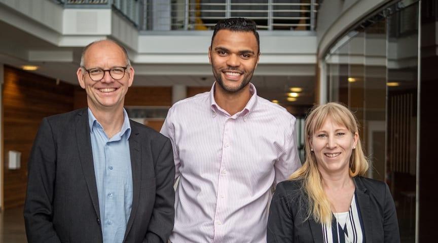 Från vänster: Ulf Ödesjö Business Area Manager R&D, Nèlio Lopes Ramos, affärschef R&D Automotive, och Linda Henriksson, Business Unit Manager R&D.