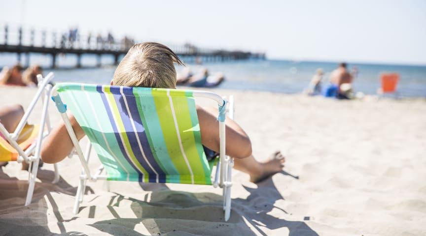 Sommardag på Skrea strand. Foto Marie Hidvi/Hidvi Group