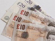 Tax credit fraudster jailed