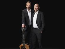 """Ny musik från humorduon Björn A Ling och Johan Östling """"Solen lyser"""" - På Sverigeturné med föreställningen """"Din J-vla fegis""""!"""