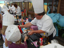 Alfons Åbergs Kulturhus väcker matglädjen hos barn genom att lära ut ekologisk matlagning.