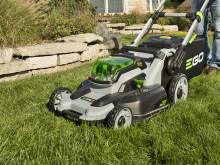Ny gräsklippare med ren batterikraft