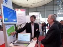 Brandenburgs Wissenschaftsstaatssekretär Martin Gorholt auf dem CeBIT-Sand der Technischen Hochschule Wildau