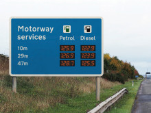 RAC reacts to announcement on motorway fuel price sign trial