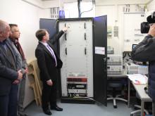 Demonstrator moderner Brennstoffzellentechnologie in Betrieb genommen