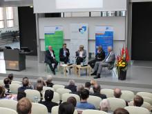 """Podiumsdiskussion am 15. Oktober 2016 zum Thema """"Zukunftsbranche Luftverkehr am Standort Berlin Brandenburg"""""""
