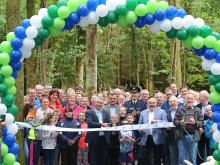 Center Parcs welcomes local community for official opening of woodland footpath