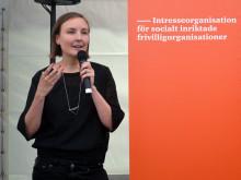 Rebecka Prentell debuterar med boken Det nya civilsamhället