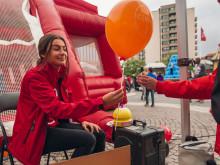 Ballongutdelning under Vällingbydagarna 2017